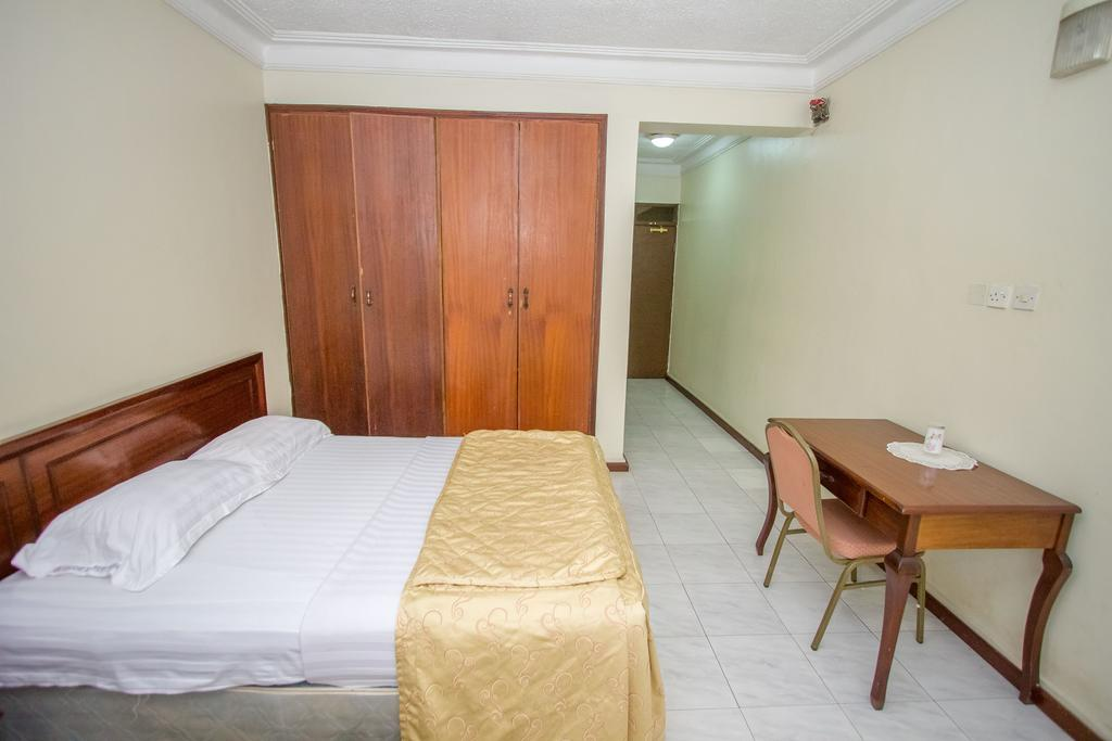 holiday express hotel single bed